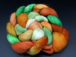 Kammzug aus Merino in orange, grün