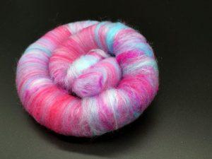 Rolags in hellblau und rosa