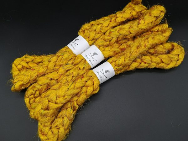 Kamzug aus gelber Sariseide in uni