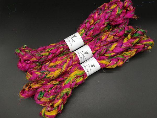 Kammzug aus Sariseide in pink, gelb und grün