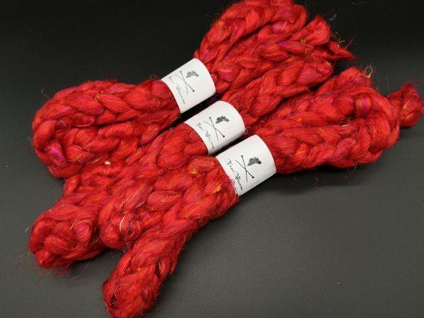 Kammzug aus roter Sariseide in uni