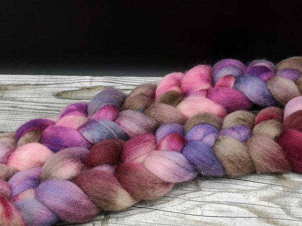 Kammzug aus BFL in rosa, braun und violett