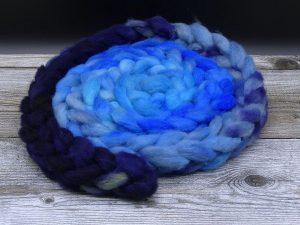 Kardenband aus Gobi Argali im Farbverlauf in Blautönen