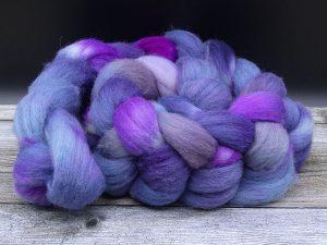 Kammzug aus Süddeutscher Merino in blau und violett