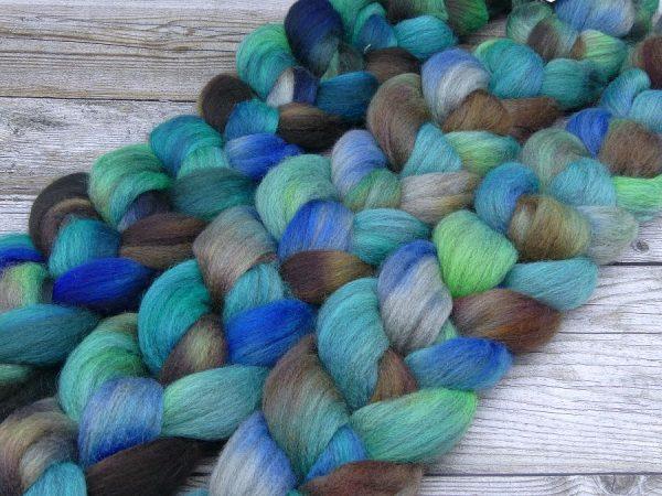 Kammzug aus Corriedale in blau, grün und braun